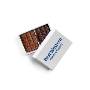 Notre offre entreprises : Spécial Hôtel, un petit coussinet à personnaliser composé de deux mini-tablettes - Cédric Turmel chocolatier